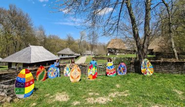 The huge egg – Waiting for the Easter bunny